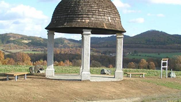 Glorietu nad Koutem na Šumavě se říká Klobouk. Foto: OÚ Kout n. Š.