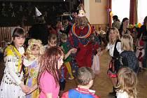 Z maškarního karnevalu pro děti v Milavčích.