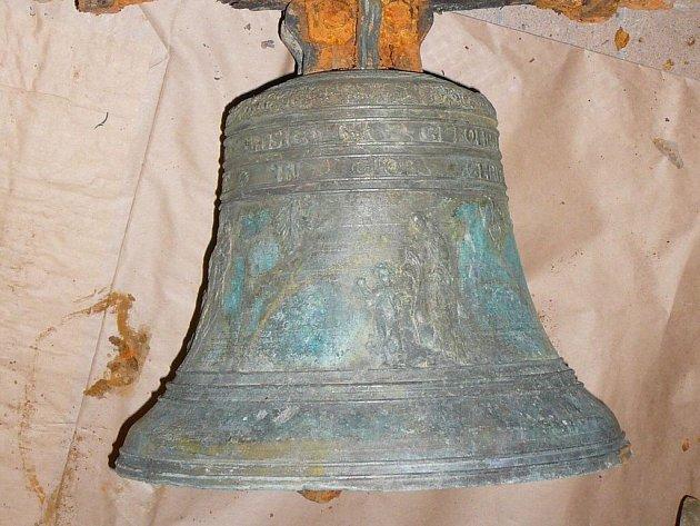 Zvon ukradený z kostela sv. Anny byl nalezen.