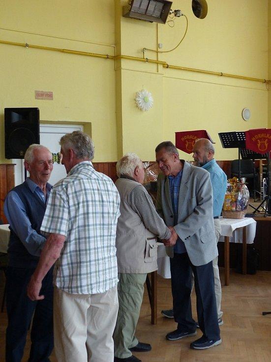 Výroční schůze zahrádkářů ve Starém Klíčově. Oslavili 50 let.