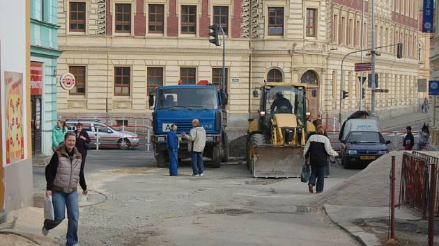 Stavební práce v domažlických ulicích, 23. března 2012
