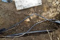 Překopnutý kabel.