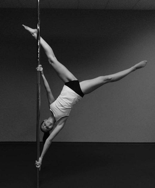 S lektorkou Yvonou Minaříkovou se se naučíte jednotlivé prvky propojovat, zlepšíte držení těla a dodáte svému pohybu ladnost.