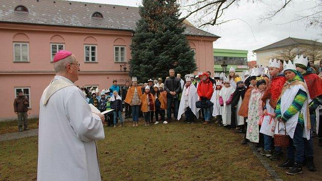 Zahájení tříkrálových sbírek ve Kdyni a Domažlicích.
