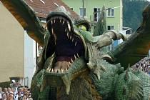 Z průvodu při Skolení draka ve Furthu im Wald.
