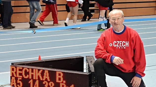 Bedřich Řechka v dějišti šampionátu.