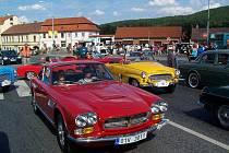 Jízda historických vozidel ve Zbraslavi.