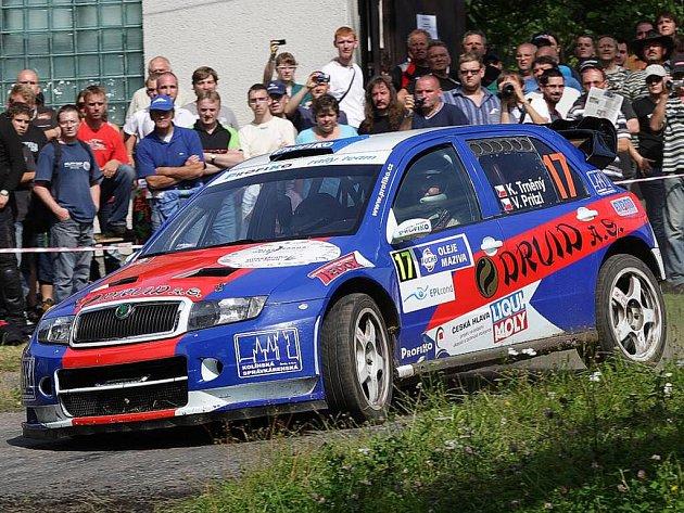 V PAČEJOVSKÉ RALLY AGROPA SE KAREL TRNĚNÝ umístil na čtvrtém místě. Vyhrál Pavel Valoušek a společně zaznamenali největší úspěch Profiko Rally teamu v sezoně.