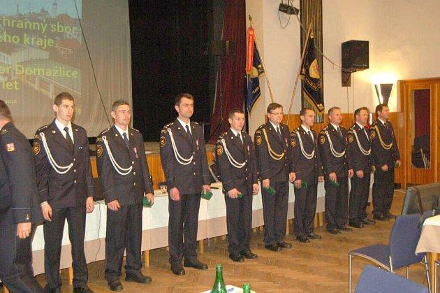 Ocenění hasičů v Domažlicích.