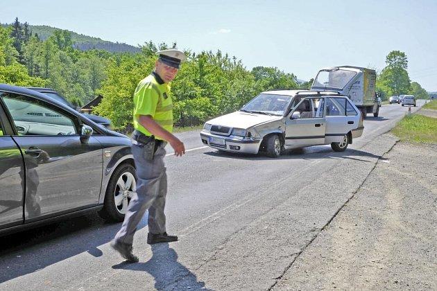 Dopravní nehoda mezi Domažlicemi a Havlovicemi.