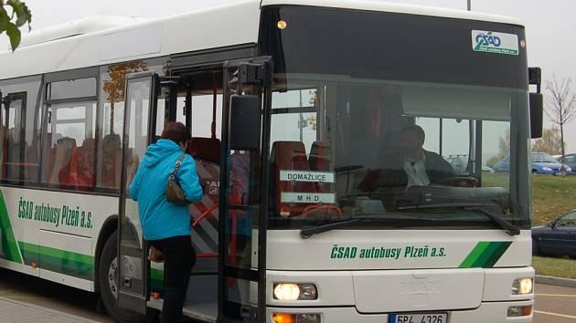 V rámci MHD v Domažlicích každý den vyjede 29 spojů.