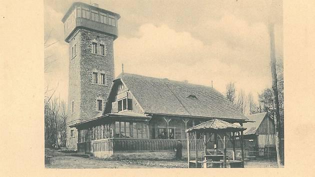 Kurzova věž a chýše Pasovského na Čerchově.