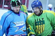 Hokejové derby mezi týmy Dílů a Staňkova.