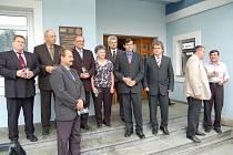 ČISTÁ RADBUZA. Jeden z největších projektů Plzeňského kraje byl dokončen. Na radnici v Bělé nad Radbuzou byla odhalena sa lavnostně pokřtěna pamětní deska.