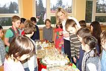 Vánoční jarmark ve škole