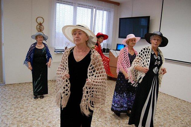 Seniorské odpoledne v domažlickém penzionu.