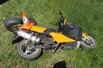 Šedesátiletý muž havaroval s ukradenou motorkou v Poběžovicích.