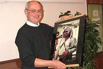 Fotograf Ladislav Lešický. Takto zachytil jordánského dudáka s typickou pokrývkou hlavy.