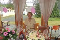 Božena Eberlová, stoletá dáma. Sto let oslavila 18. srpna 2020.