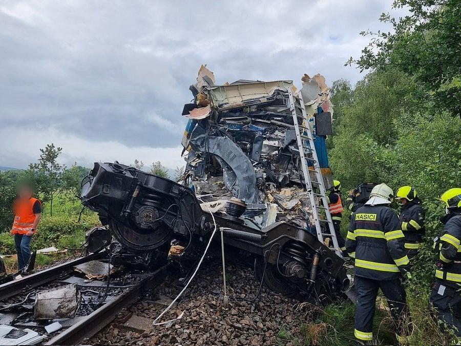Čelo jednoho z vlaků železniční nehody.