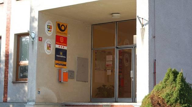 Pošta v Pocinovicích je znovu opuštěná.