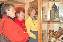 ZANIKLÉ OBCE LÁKAJÍ. Na nové výstavě v Chodském hradu byla expozice podnětem k mnoha debatám.