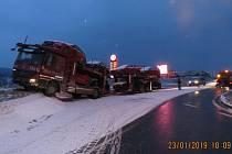 Havárie kamionu na Folmavě.