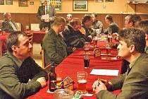Uplynulý rok zhodnotili újezdští myslivci na ´poslední leči´, která se v sobotu 14. března konala v sále hospody Na Stříbrnce v Újezdě