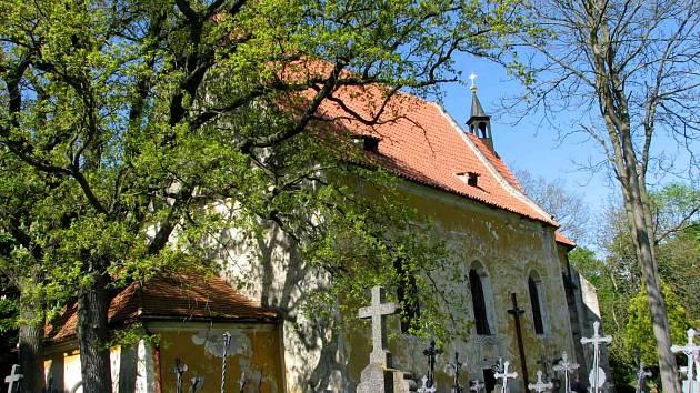 Kostel sv. Vavřince nad Tasnovicemi.