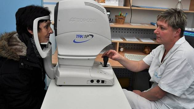 Vyšetření u očního lékaře. Ilustrační foto