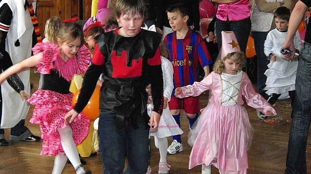 Maškarní bál pro děti v Draženově.