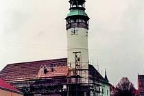 Požár Chodského hradu v roce 1995 a jeho následky.