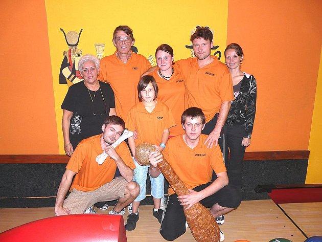Flinstouni, účastníci Kdyňské bowlingové ligy.