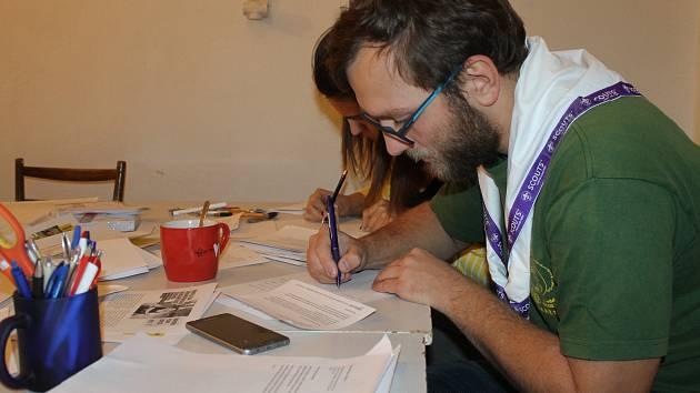 Skauti se zúčastnili Maratonu psaní dopisů.