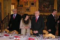 V restauraci U Sv. Jána v Trhanově, Hospůdce roku čtenářů západočeských Deníků, obědval i prezident Václav Klaus.