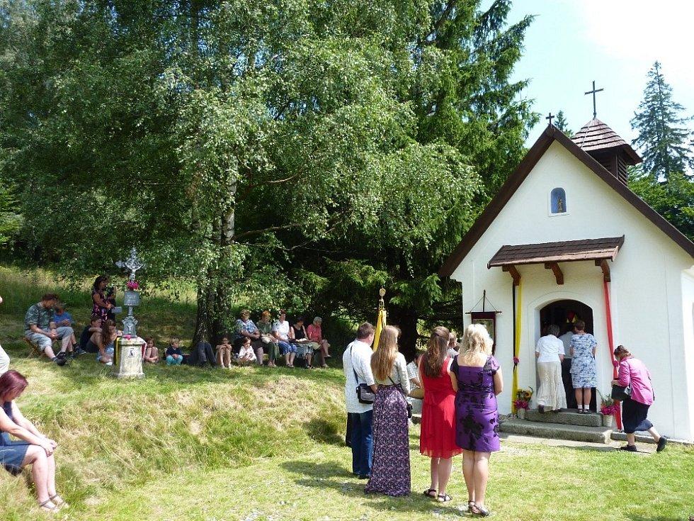Kaple nad Branišovem je zasvěcena poslednímu českému králi Karlovi I.