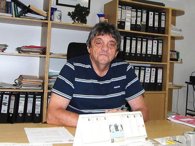 ONDŘEJ FREI. Je podnikatelem a neuvolněným starostou Trhanova, pracuje v sehraném tandemu s dalším podnikatelem – místostarostou Václavem Dufkem.