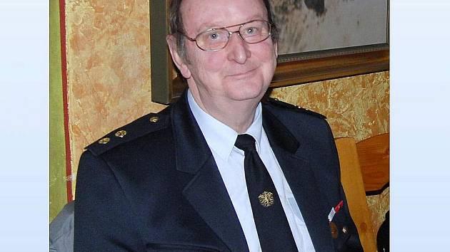 VÁCLAV PRANTL. Stojí v čele Sboru dobrovolných hasičů Trhanov, zároveň je členem trhanovského zastupitelstva.