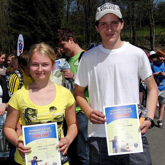 Nejlepší jednotlivci II. kat.: Tereza Leitlová (Staňkov) a Jiří Reithar (Holýšov).