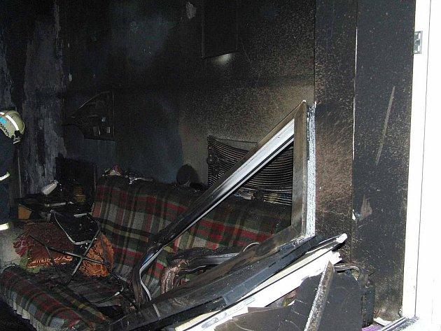 Požár bytu v Masarykově ulici v Domažlicích.