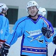 Kapitán HC Staňkov Pavel Blacký odmítl drama a gólem na 1:4 zlomil odpor soupeře.