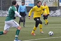 Kapitán Jiskry Domažlice Petr Mužík (č. 6) vstřelil soupeři z Bad Abbachu dva góly.