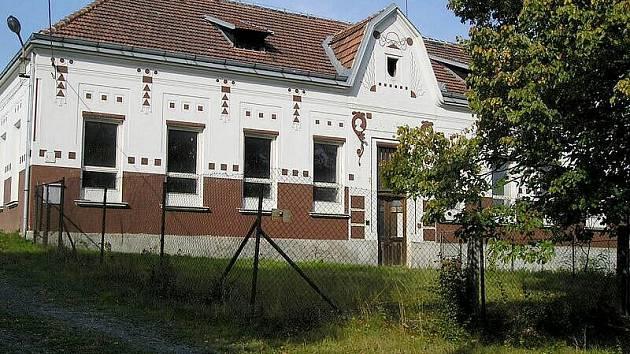 Bývalá škola ve Štichově.