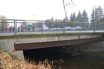 Most v ulici Elišky Krásnohorské.