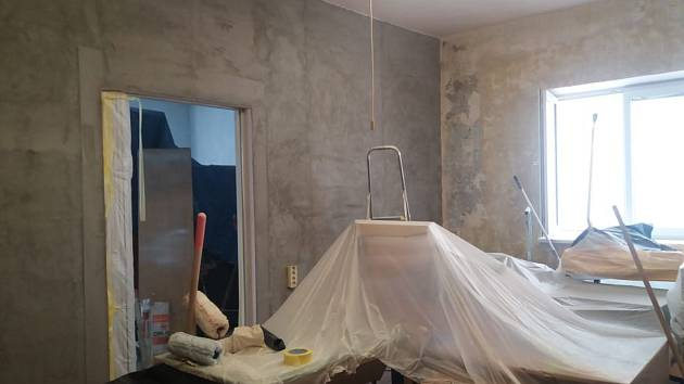 V kancelářích bude nově vymalováno a položené lino.