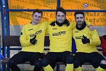 Tři elegáni Dominik Lešek (vlevo), Pavel Javorský (uprostřed) a Ivo Vojtko (vpravo) se stali novými posilami Benfiky.