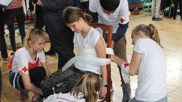 Oblastní kolo soutěže mladých zdravotníků v Domažlicích.