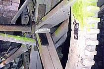 Vnitřní kolo, které pohánělo soukolí pily a mlýna.