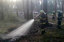 Ze zásahu při požáru lesní hrabanky.