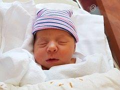 JAKUB ŠINDELÁŘ z Brnířova (4200 g a 53 cm) se narodil v 5. května v Plzni mamince Michaele a tatínkovi Martinovi. Jméno pro svého prvorozeného vybrali společně.